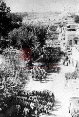 Mobilisation générale, parade des troupes ottomanes, automne 1914 (coll. Pères mekhitaristes de Venise).