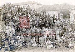 Orphelins arméniens recueillis à Salt et amenés à Jérusalem, début 1918 (coll.Bibliothèque Nubar).